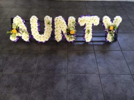 AUNTY LETTERING