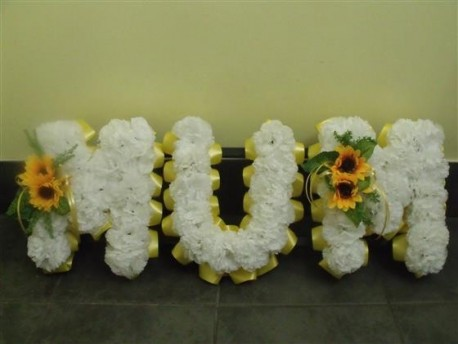 Mum artificial lettering